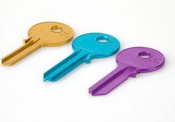 Opbevar ekstranøgler til boligen, bilen eller udlejningsejendommen i smart og sikker nøgleboks
