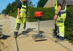 Fliseløftere fra AL-LIFT® klarer nemt udfordringerne i bygge- og anlægsbranchen